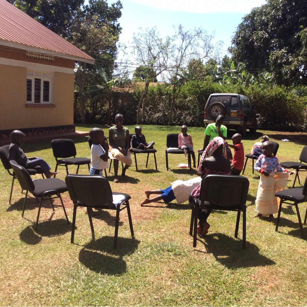 Musical chair game for kids - Playing Musical Chairs At The Home With The Other Kids