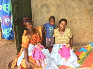 teacher-in-slums-gives-birth-to-twins-healthy