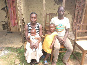 african-family-in-slums-helped-by-nonprofit-org