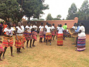 traditional-african-dance-performed-by-acholi-women