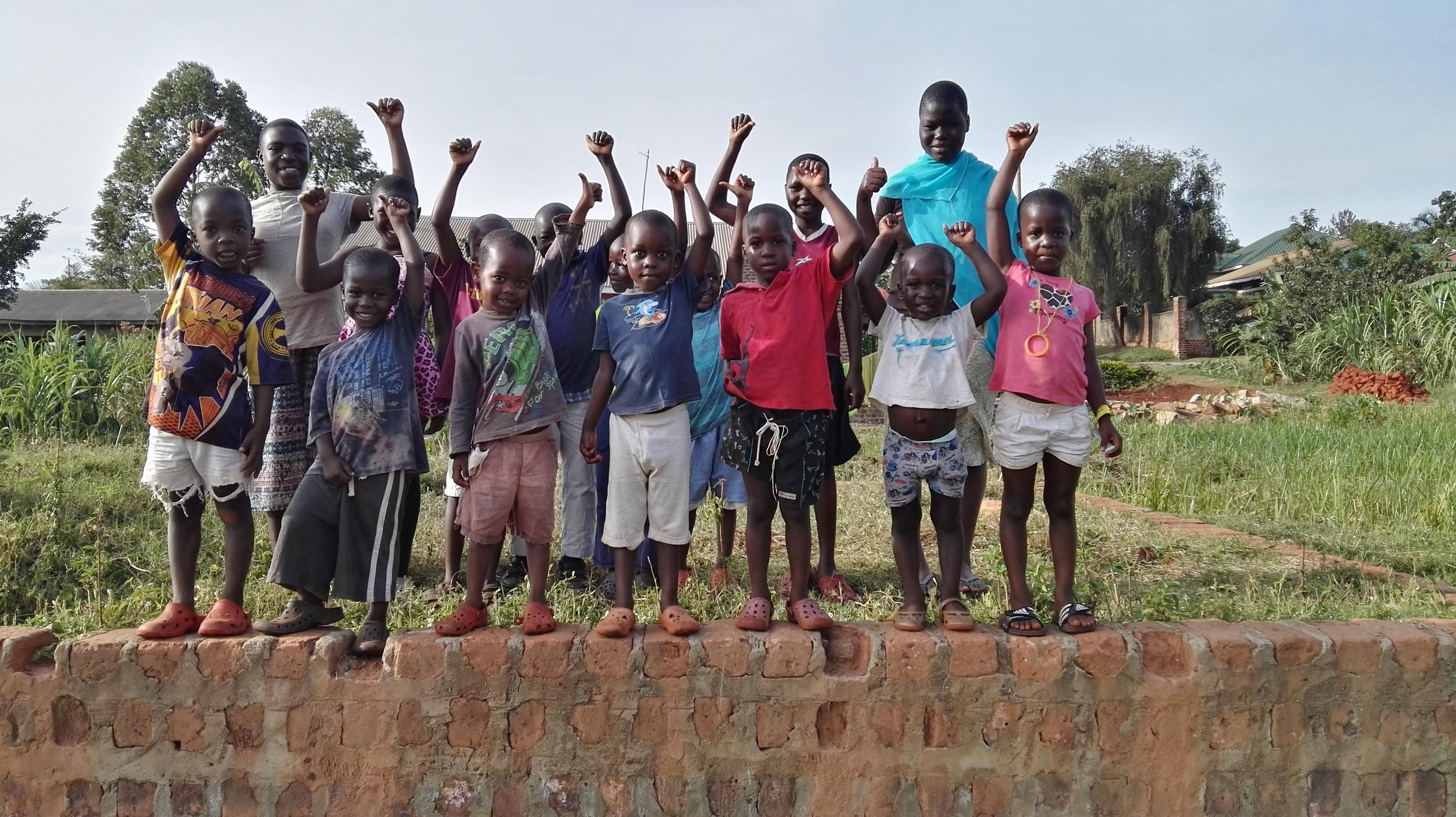 healthy-children-at-uganda-orphanage