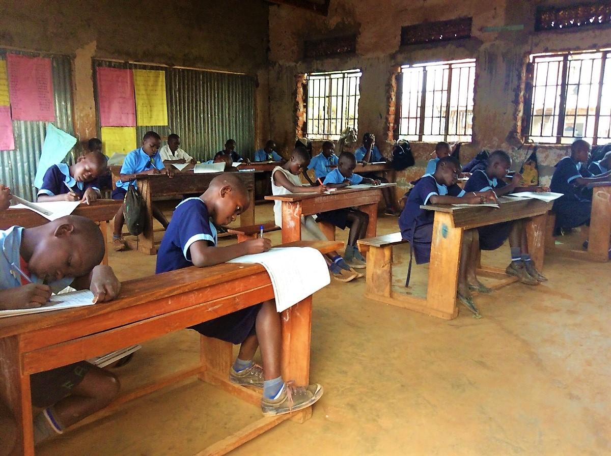 students-preparing-to-graduate-uganda-p7-midterms