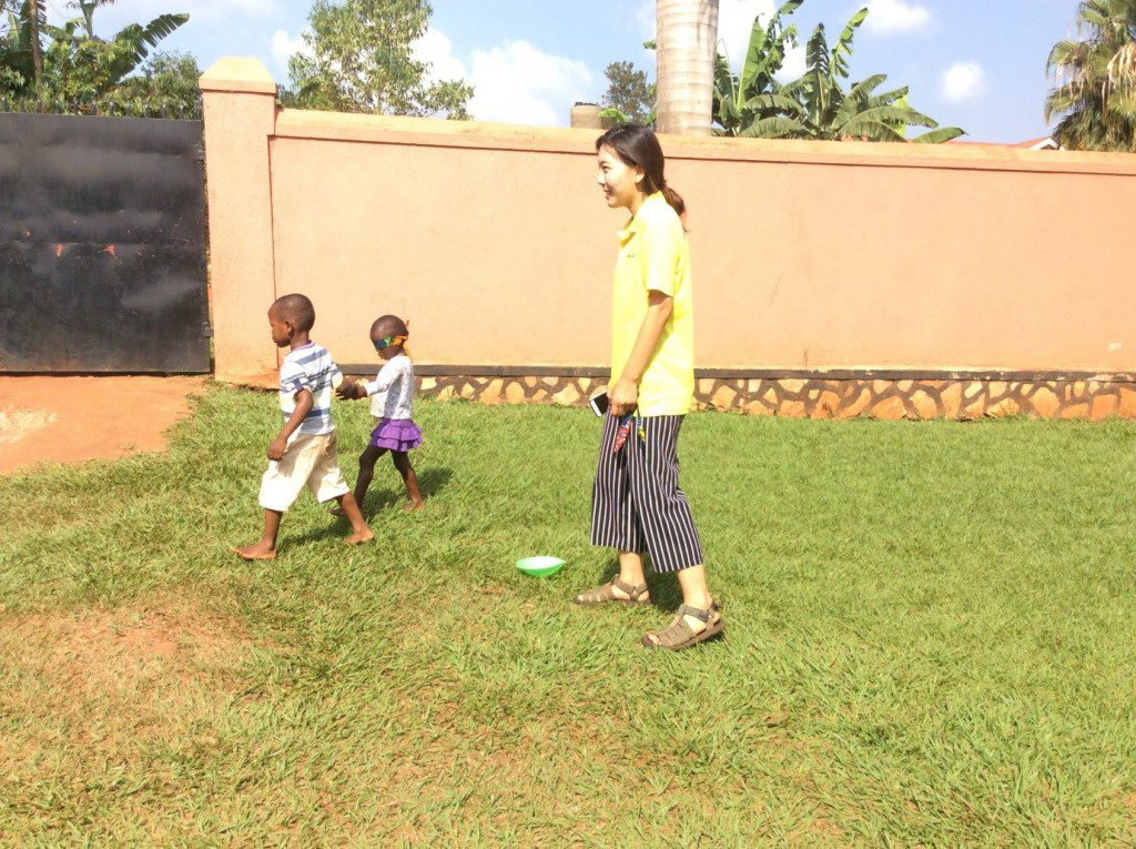 kids-lead-each-other-blindfolded-to-learn-trust-uganda